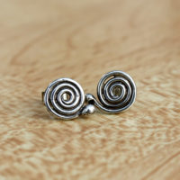 single-swirl-earring