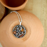 Circle pendant with amber